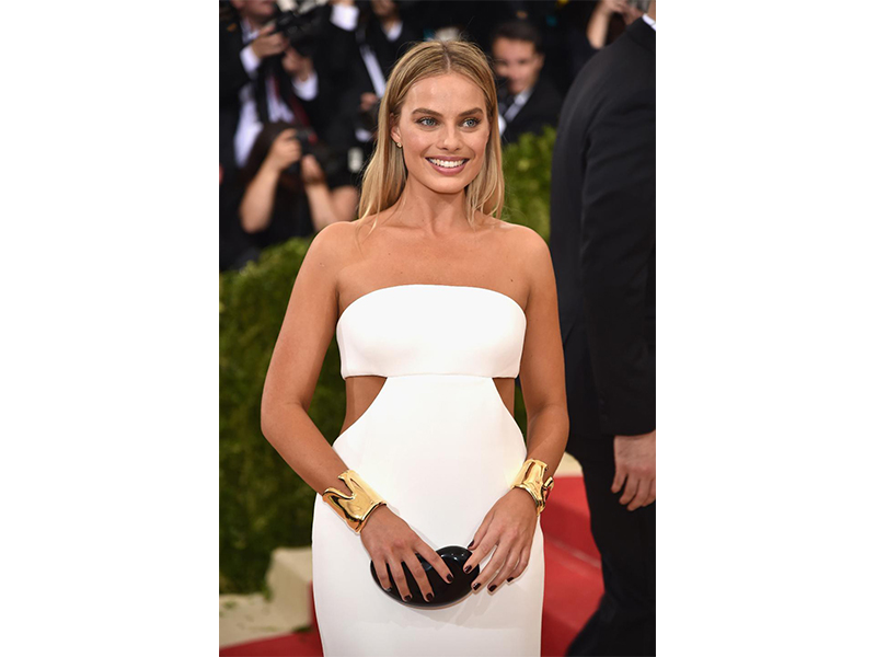 Tiffany & Co Margot Robbie wore Tiffany & Co.