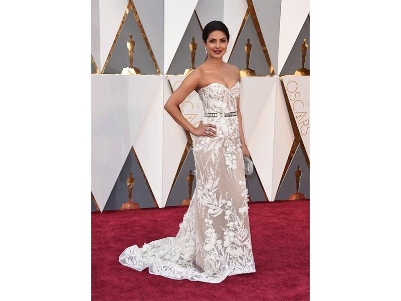 Lorraine Schwartz Priyanka Chopra wore Lorraine Schwartz jewels. Oscars 2016