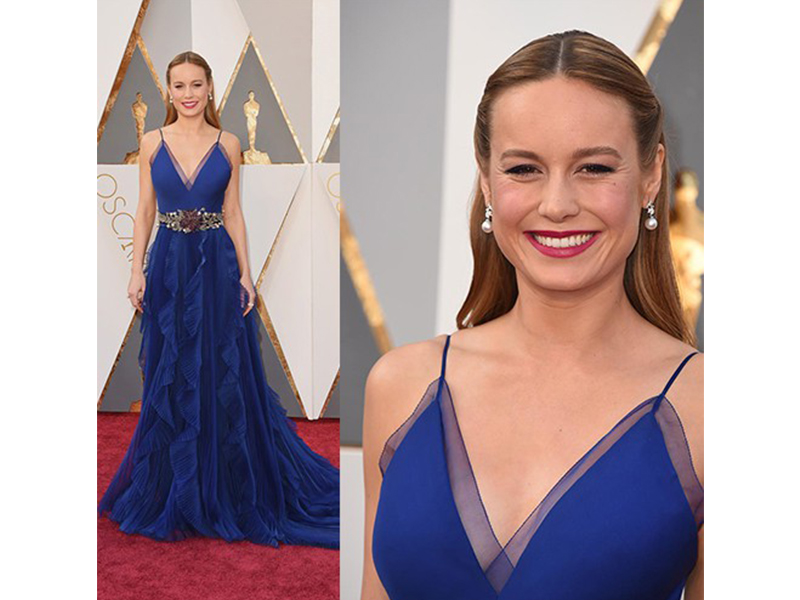 Niwaka Brie Larson wore diamond and pearl earrings at the 88th Annual Academy Awards Oscars 2016