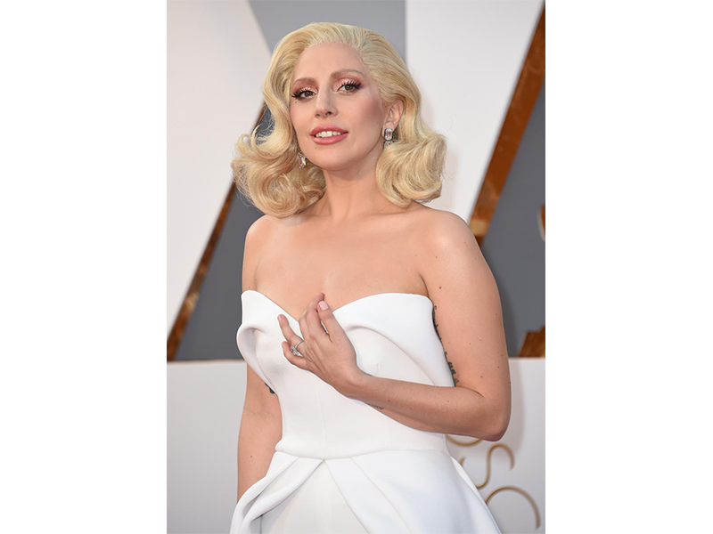 Lorraine Schwartz Lady Gaga wore Lorraine Schwartz diamond earrings. Oscars 2016