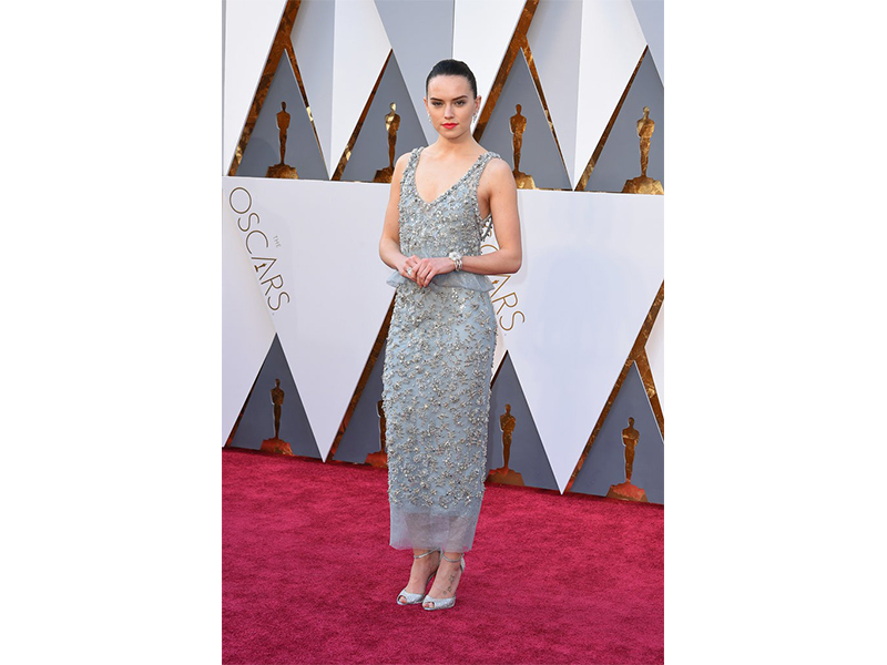 Chanel Daisy Ridley wore Chanel Fine Jewelry at the 88th Annual Academy Awards. Oscars 2016
