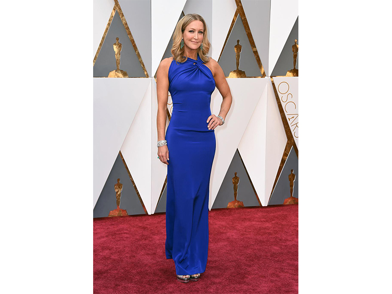 Fred Leighton Lara Spencer wore Fred Leighton jewels including rose-cut emerald and diamond chandelier earrings. Oscars 2016