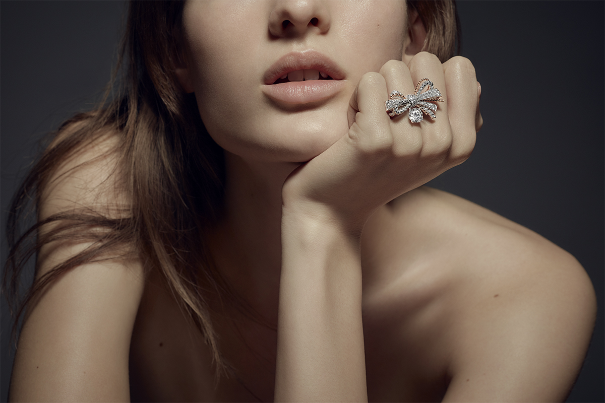 Chaumet High Jewelry ring mounted on white and rose gold with diamonds