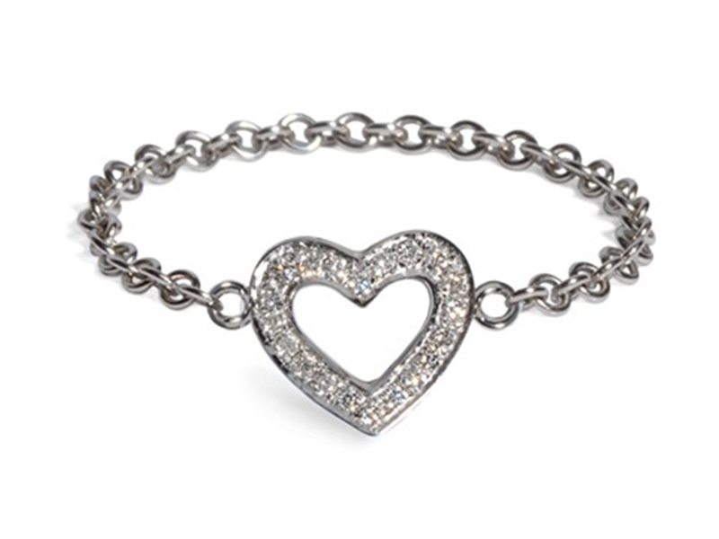 Vanessa Martinelli Heart chain ring mounted on white gold an diamonds, ~ CHF 950.-