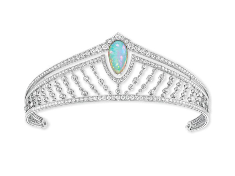 Chaumet 12 Vendôme tiara in platinum and white gold, set with diamonds and a cabochon-cut white opal from Ethiopia