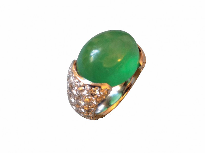Verney Ring mounted on white gold with a cabochon cut green jade is available at the Pop Up