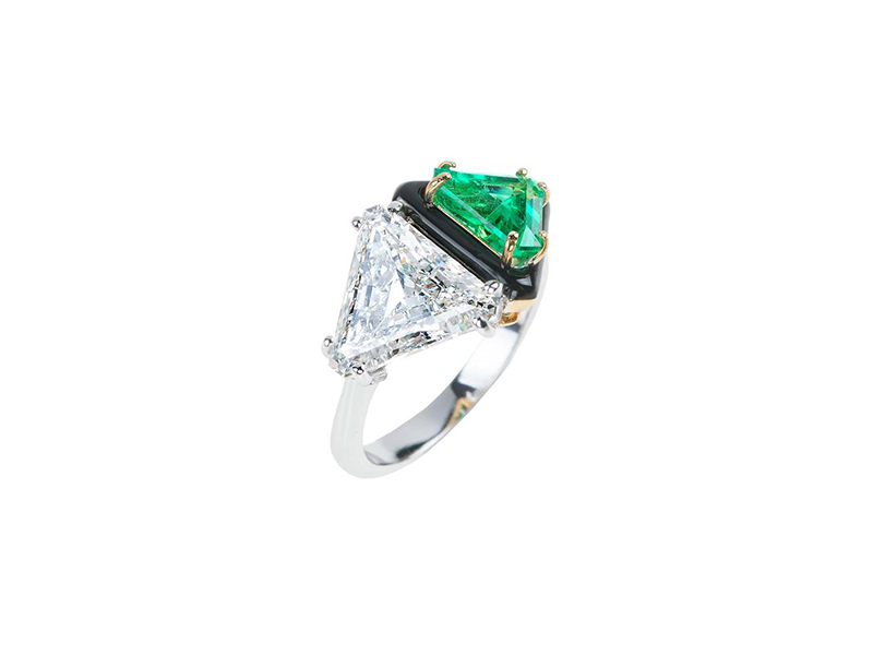 Nikos Koulis White gold diamond and emerald ring with black enamel
