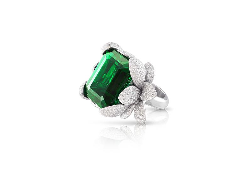 Pasquale Bruni Giardini Segreti Haute Couture emerald ring