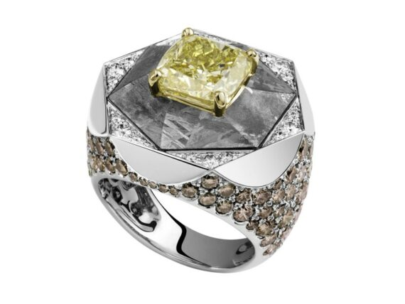 Lorenz Bäumer Meteorite ring mounted on white gold with yellow diamond, chocolate diamonds, white diamonds