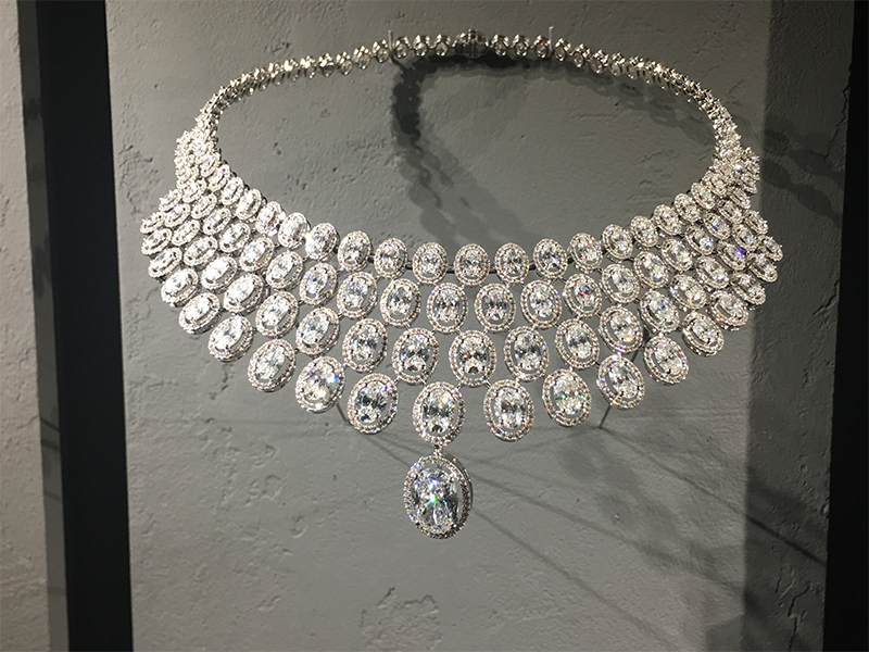 Messika Swinging Paris necklace