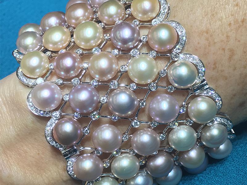 Yoko London Pearl cuff