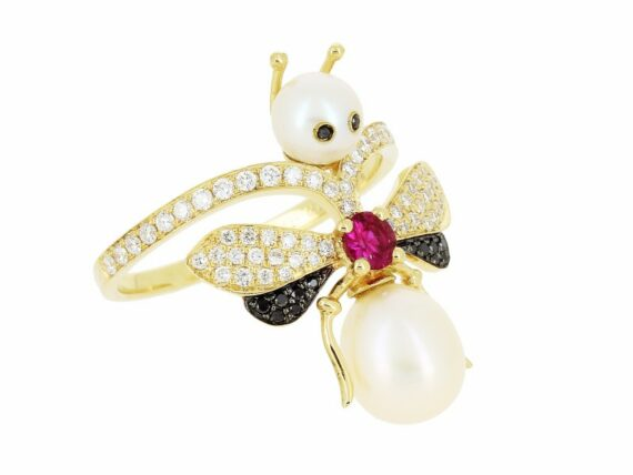 Yvonne Léon Bee ring mounted on yellow gold with white & black diamonds, pearls and ruby