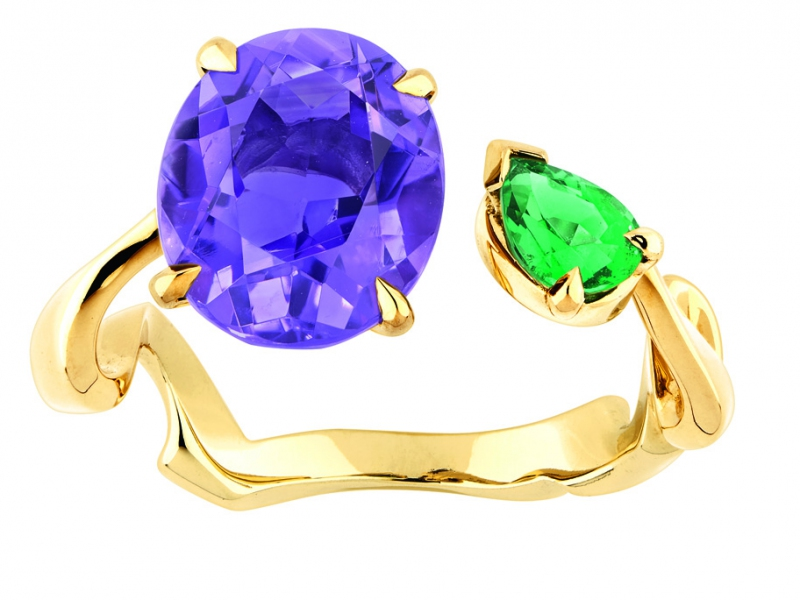 Dior Diorama Precieuse Collection - Open ring set on yellow gold with an oval amethyst and pear-shaped emerald