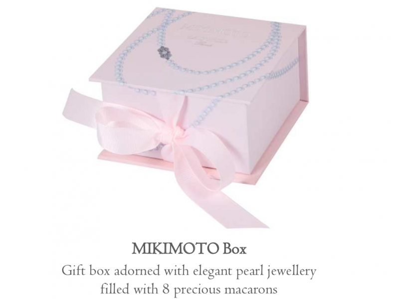 Mikimoto Box Gift box adorned with elegant pearl jewellery filled with 8 precious macarons
