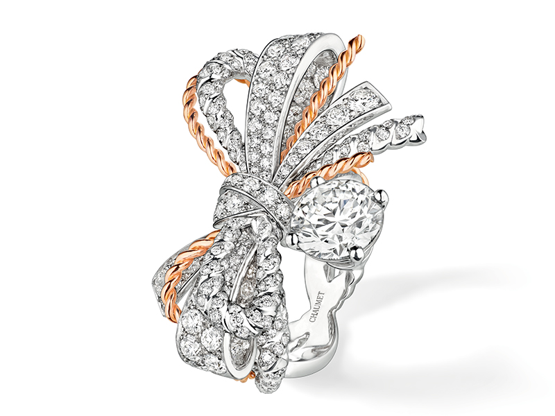 Chaumet Insolence ring mounted on rose and white gold with diamonds