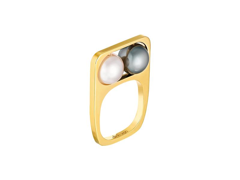 Dinh Van 2 Pearls square ring