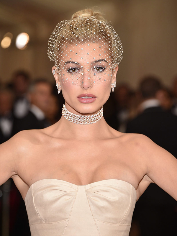 Lorraine Schwartz Hailey Baldwin wore diamond chocker and diamond earrings.