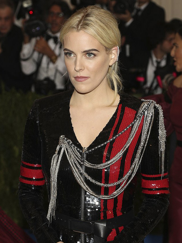 Repossi Riley Keough wore Staple earrings paved with diamond and Antifer ring.