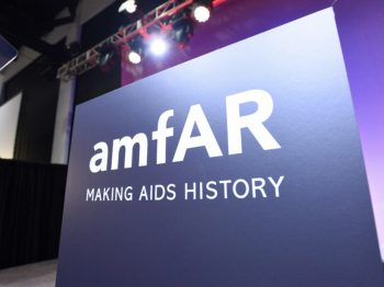 Harry Winston sponsors the amfAR's gala in New York and becomes the leading supporter of the research initiative