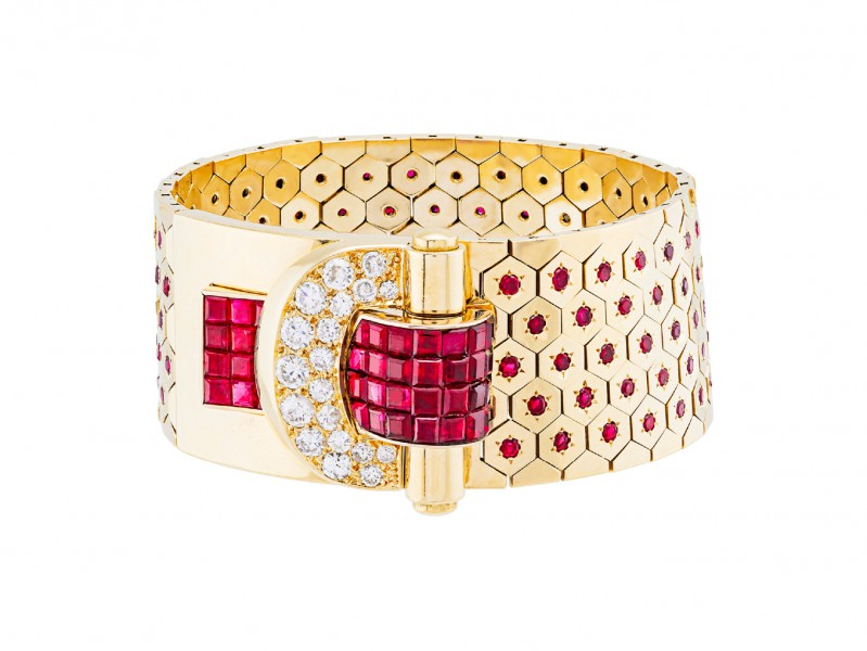 Van Cleef & Arpels (a) Ludo Hexagone bracelet, with Mystery Set rubies. Heritage collection, Collection 1937