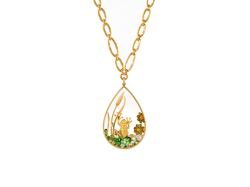 Alexandra Abramczyk Moonstone necklace and frog pendant mounted on yellow gold with diamonds & tsavorites 26'000 €