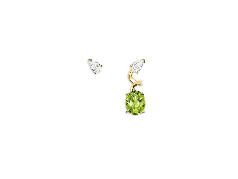 Dior Diorama Précieuse earrings mounted on yellow gold with diamonds and peridot