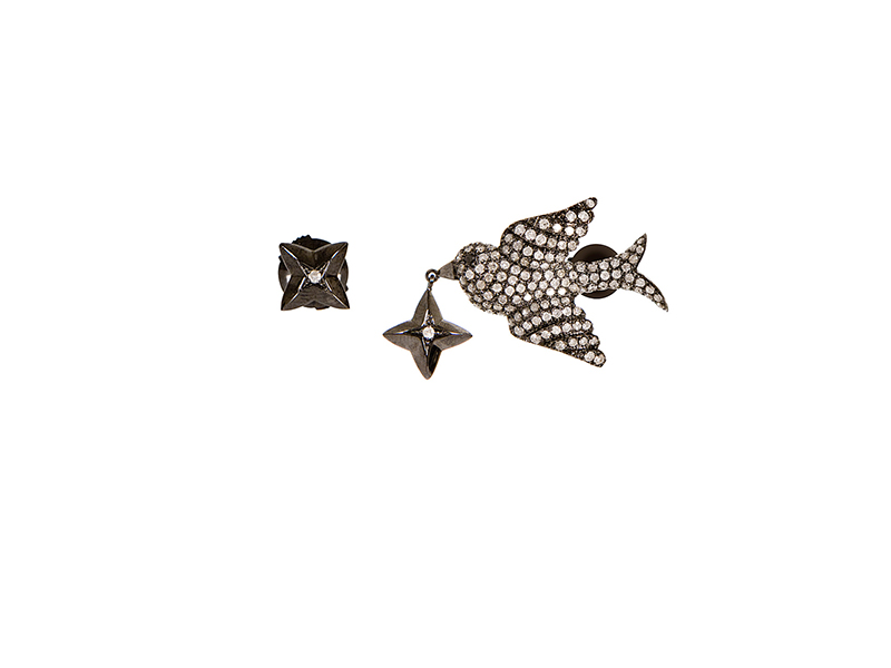 Elise Dray Hirondelle earring mounted on black gold and white diamonds - 2750 €