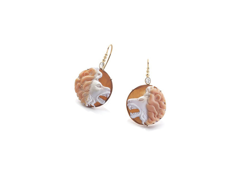 Garnazelle Kassanga earrings mounted on yellow gold cameo and diamonds