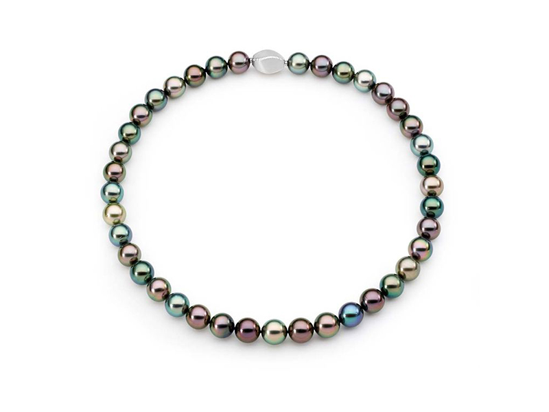 Linneys South Sea Tahitian Pearl Strand mounted on whitegold twisted barrel clasp with sea Tahitian pearls