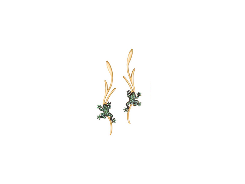 Malakine Once upon a time earring mounted on yellow gold with tsavorites