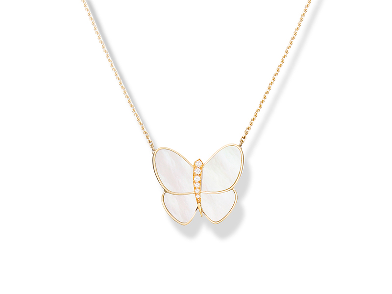 Van Cleef & Arpels Butterfly Pendant Flying Beauties mounted on yellow gold with white mother-of-pearl and round diamonds - 8'000€