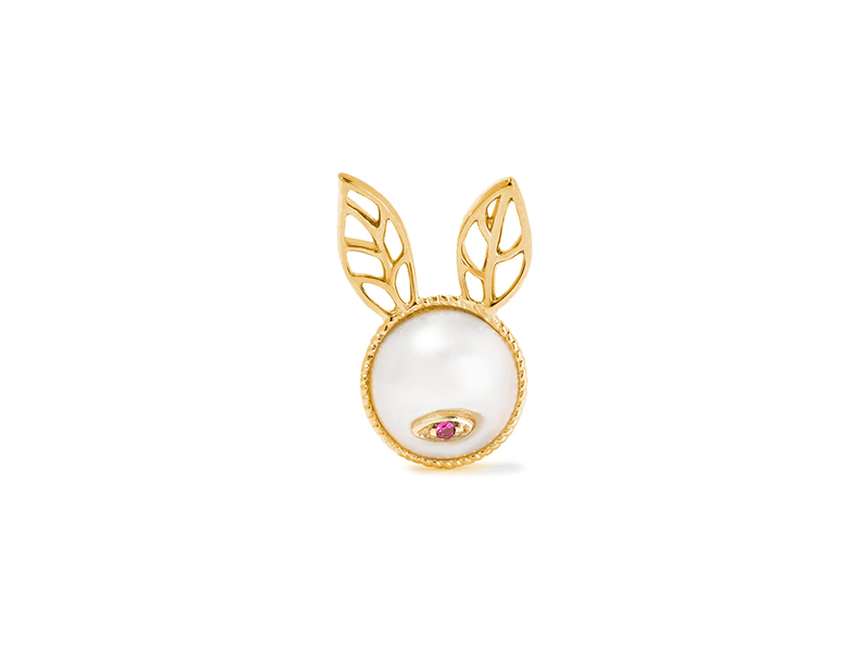 Yvonne Leon Rabbit earring mounted on 18k gold with pearl & ruby - 588 €