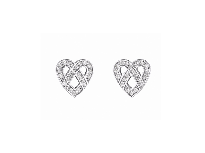 Poiray Coeur Fil Earrings Mounted on white gold with white diamonds.