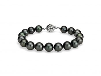 Best selection of black pearl bracelets!