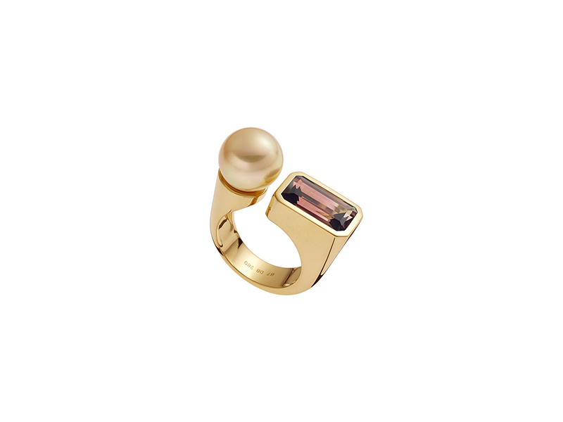 Daniela Baumgartner Yellow gold mother of pearl tourmaline