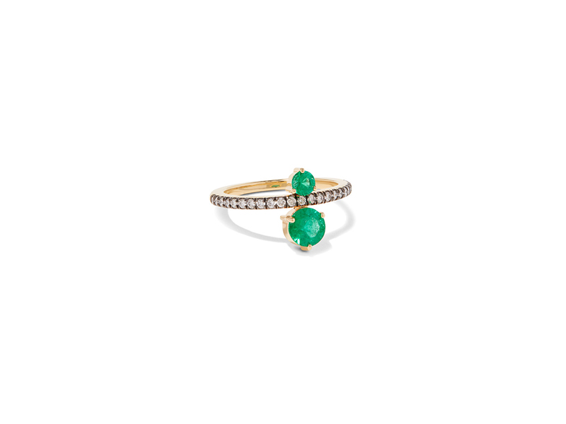 Jemma Wynne Prive ring mounted on gold with diamonds and emerald 3330 €