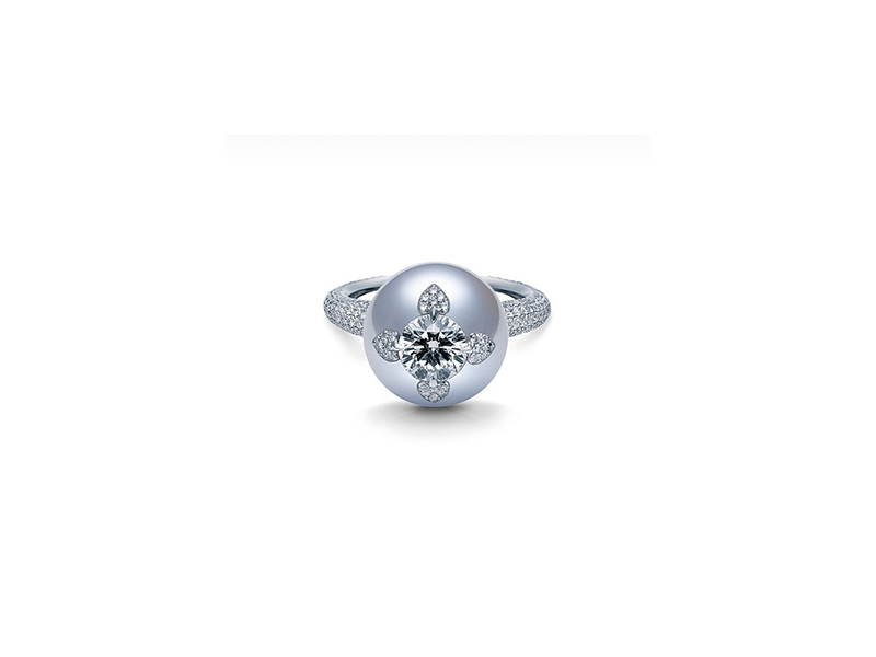 Mikimoto Neo vintage ring with white south sea