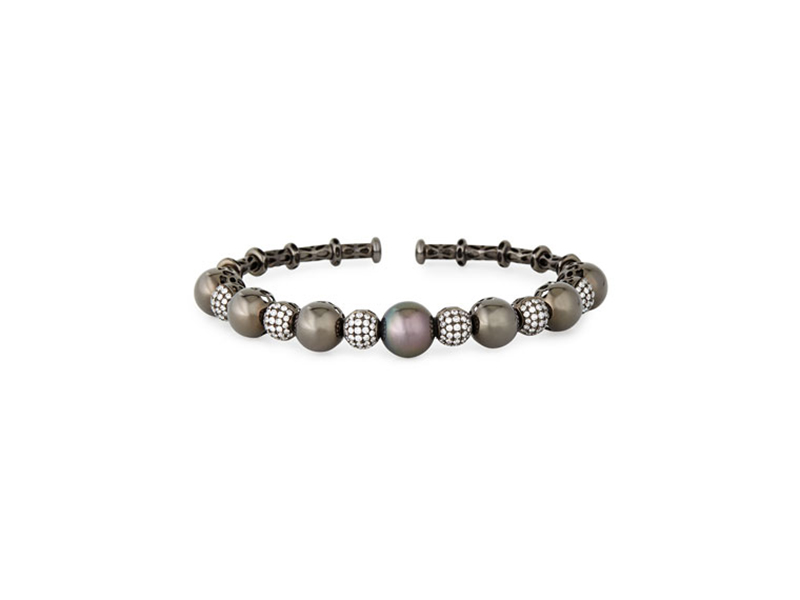 Yoko London bangle mounted on black gold with black tahitian pearl and diamonds 6440 $
