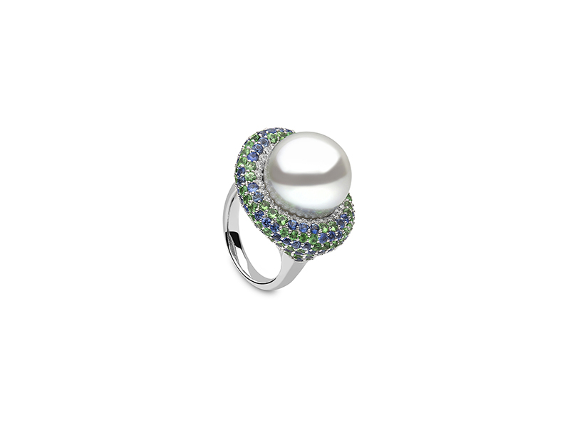 Yoko London Calypso collection white gold with diamond, tsavorite and south sea pearl