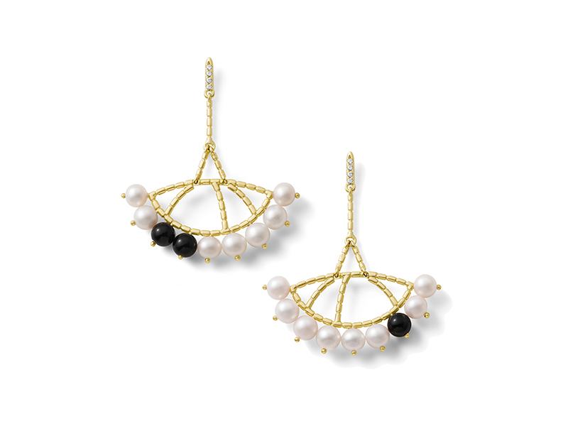 Aimee Aimer  Constellation earrings yellow gold wit pearls, onyx and diamonds 2250€