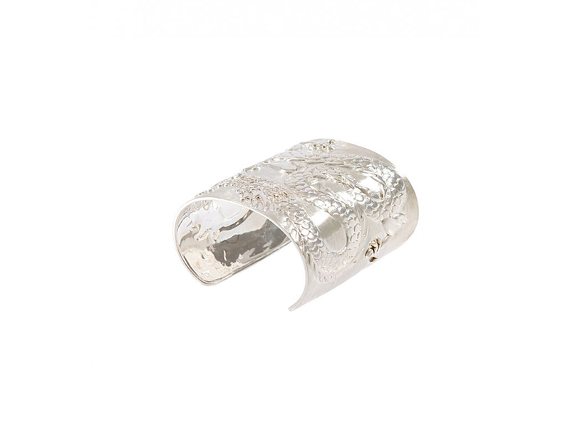 AS 29 Dragon cuff in silver 1670 €