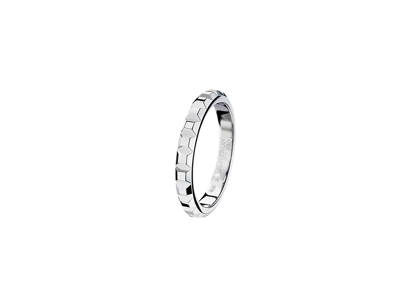 Boucheron Pointe de diamant platinum wedding band