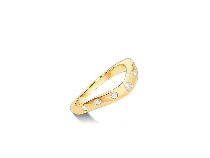Bulgari corona wedding band mounted on yellow gold with 7 diamonds