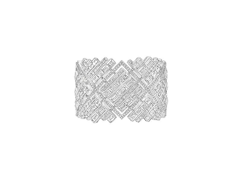 Chanel Broadway bracelet white gold 32 baguette diamonds 102 square diamonds 1410 brilliant diamonds