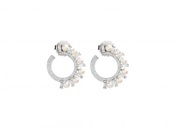 Best diamonds baguette earrings selection!