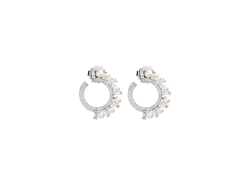 Colette Jewelry Diamond huggie earrings mounted on white gold  7'120 €