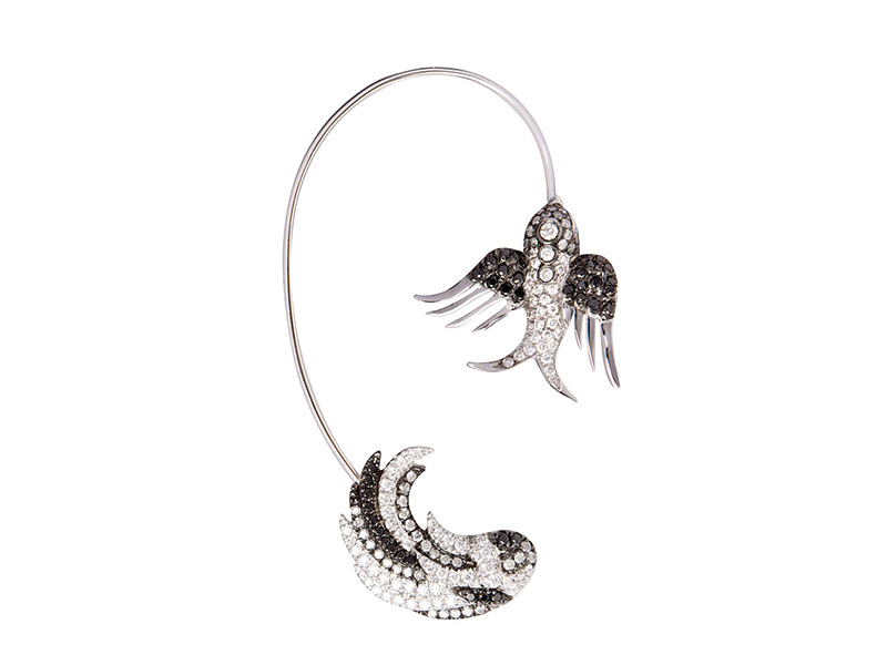 Colette Jewelry White and black gold wing earring cuff white and black gold white grey black diamonds 5855€