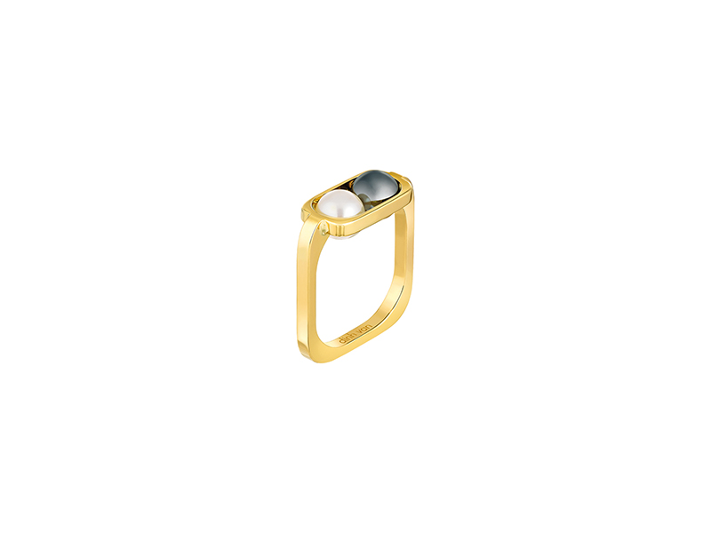 Dinh Van 2 pearls collection yellow gold freshwater and hematite pearls