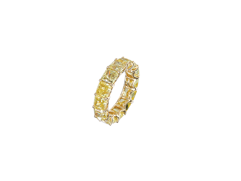 Jacob & Co Eternity band mounted on yellow gold set with fancy vivid yellow cut diamonds