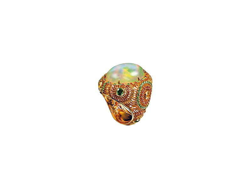 Jewellery Theatre Opal ring with sapphires and tsavorites yellow gold tsavorites yellow and orange sapphires 15'000 $